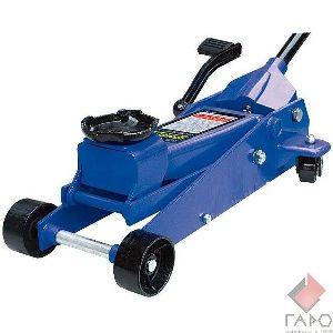Домкрат подкатной гидравлический с педалью 0801С